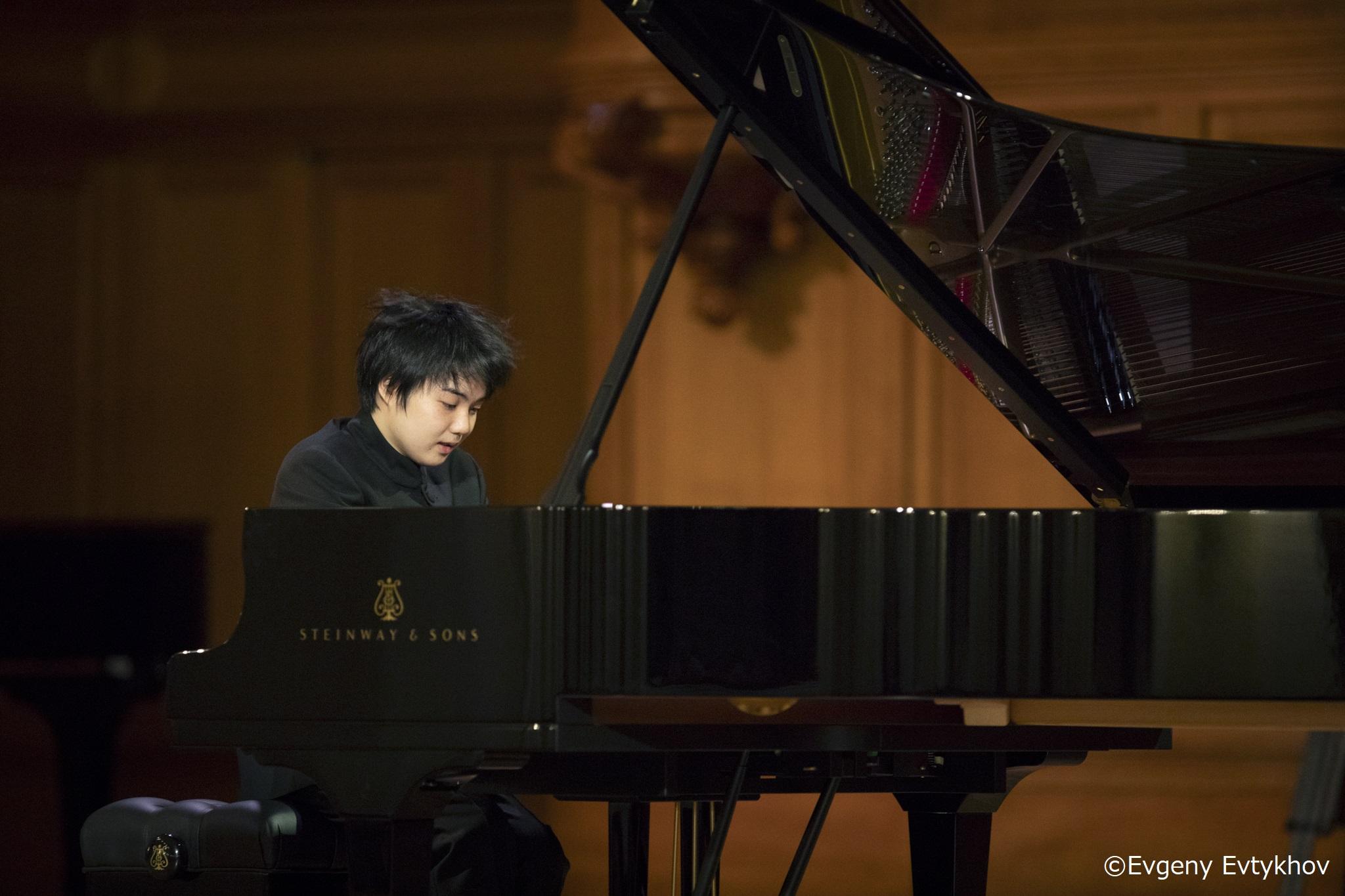 第16回チャイコフスキー国際コンクール ピアノ部門で、藤田真央さん(ピアノ演奏家コース・エクセレンス3年)が第2位を受賞しました