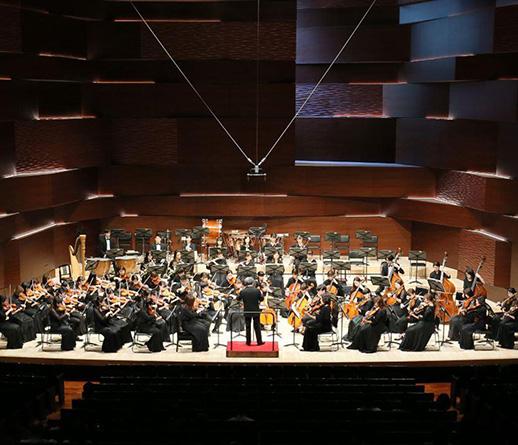 AオーケストラとSオーケストラの演奏会がTCMホールで行われました