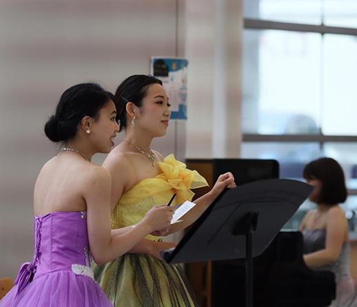 東京共済病院 七夕コンサートのレポートを掲載しました