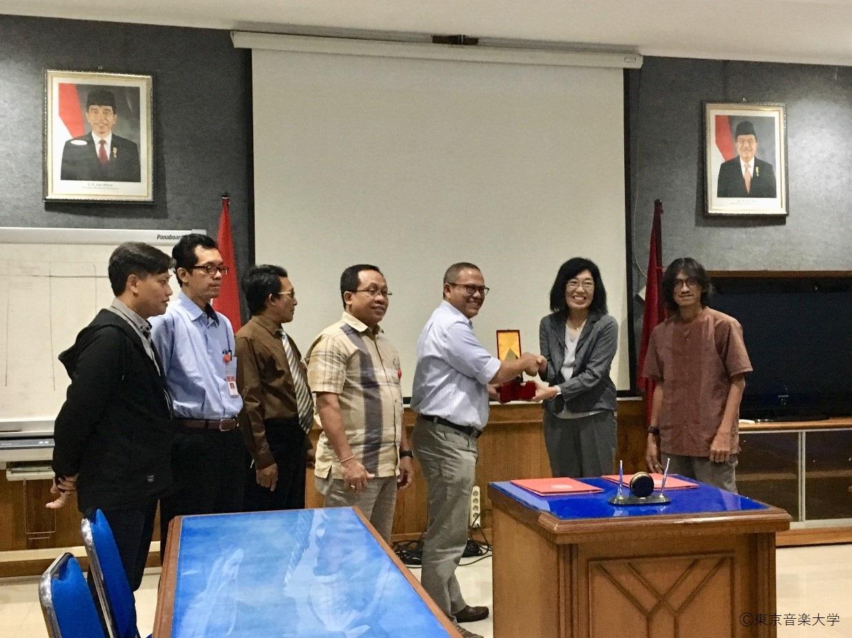 インドネシア国立芸術大学スラカルタ校と教育研究連携に関する学術協定を締結しました