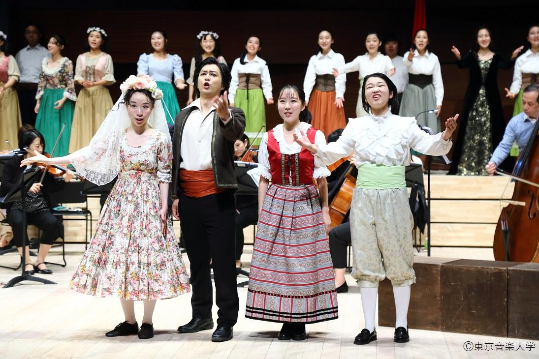 付属高等学校オペラ発表会「フィガロの結婚」のレポートを掲載しました