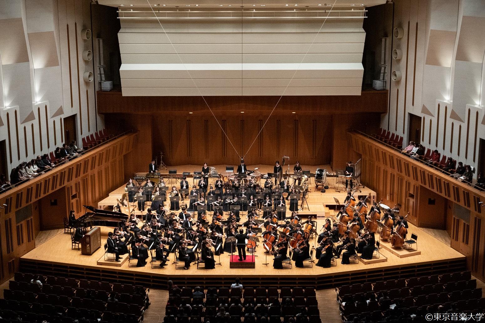 東京音楽大学シンフォニーオーケストラ定期演奏会のレポートを掲載しました