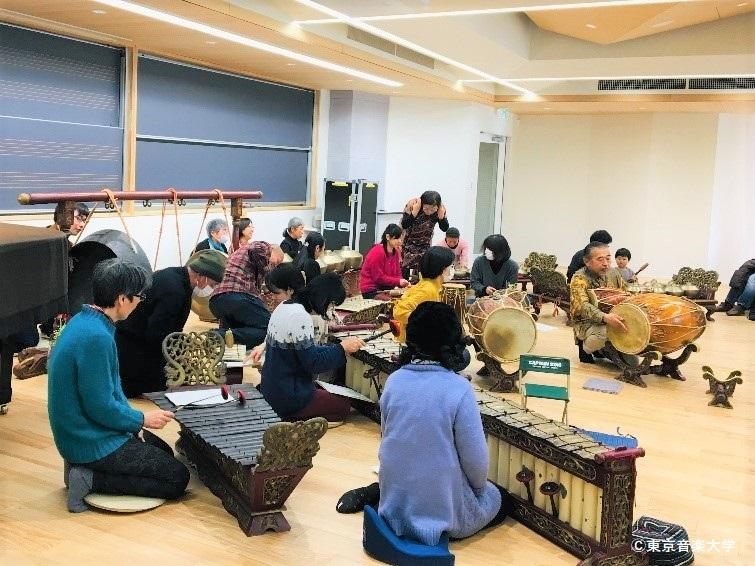 東京音楽大学×目黒区教育委員会連携講座「インドネシア・ジャワの宮廷音楽ガムランを演奏しよう」が開催されました