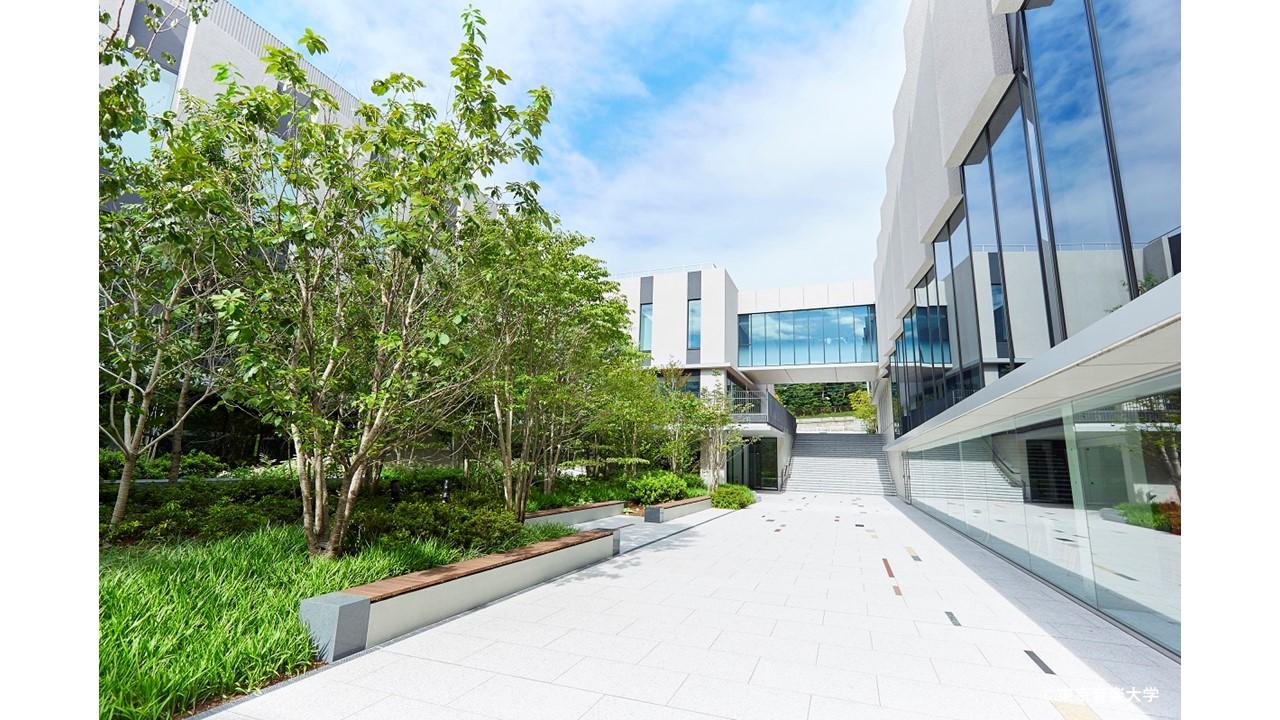 読売新聞 2021年10月12日(火)朝刊(全国版)の「キャンパス探訪」で本学の中目黒・代官山キャンパスが紹介されました
